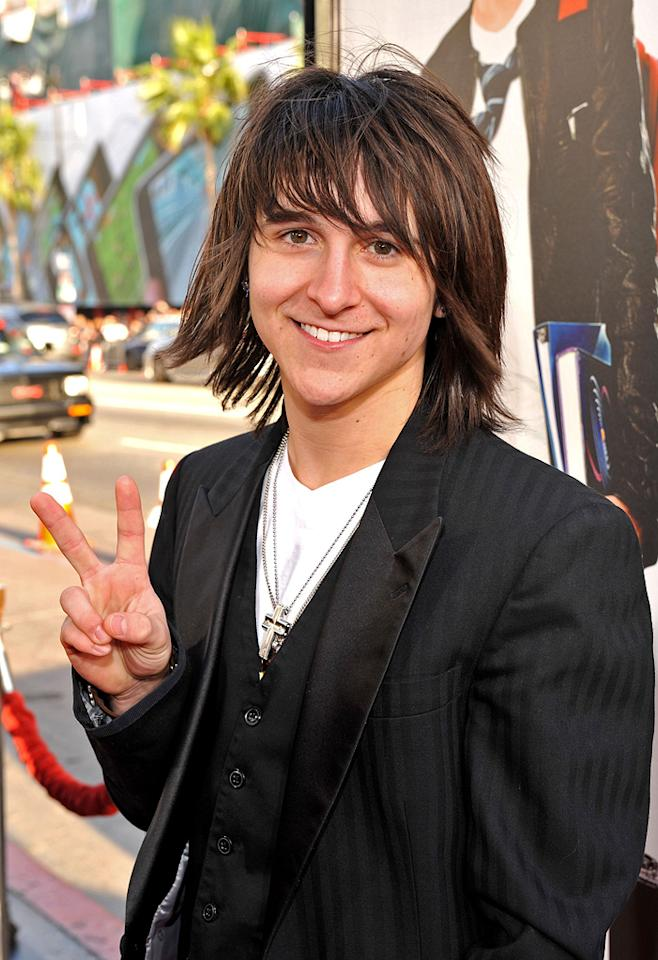 """<a href=""""http://movies.yahoo.com/movie/contributor/1808640620"""">Mitchel Tate Musso</a> at the Los Angeles premiere of <a href=""""http://movies.yahoo.com/movie/1810038675/info"""">17 Again</a> - 04/14/2009"""