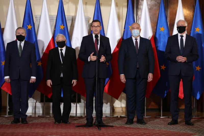 Poland's government heads further to the right in new lineup