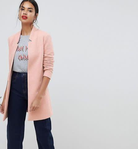 <strong>Sizes</strong>: XS to XL<br>Get it at <span>ASOS</span>.&nbsp;