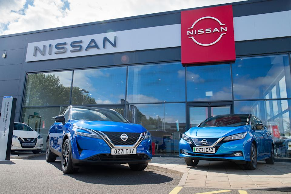 New Nissan Qsshqai and Leaf on 71 plate