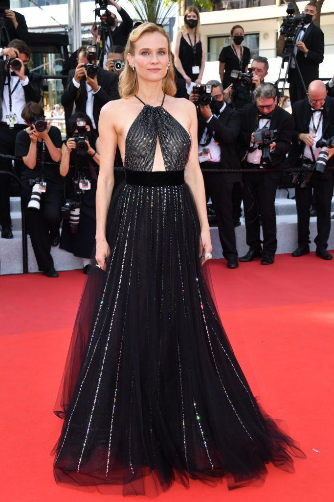 <p>the blonde sparkled in an Armani Privé gown for the evening. </p>
