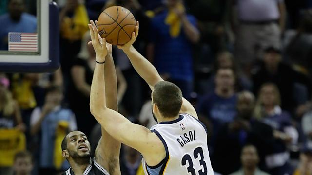 Gasol's shot with 0.7 seconds left leveled the series with San Antonio.