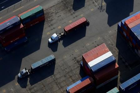 Global Economy: Outlook turns sour as trade war drags on