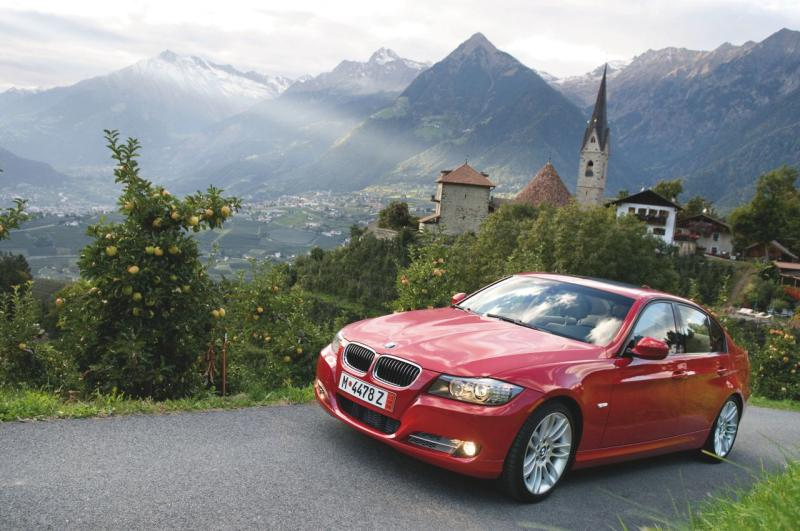 """The BMW 3-Series has """"run flat"""" tires with beefed up sidewalls."""