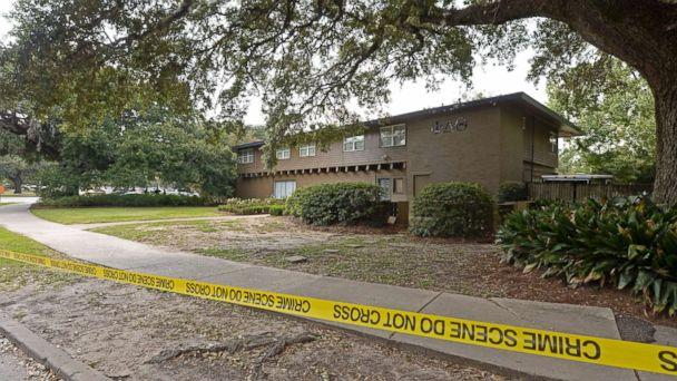 PHOTO: Louisiana State University Police investigating after a Phi Delta Theta fraternity pledge died on Sept. 14, 2017. (Hilary Scheinuk/The Advocate via AP)