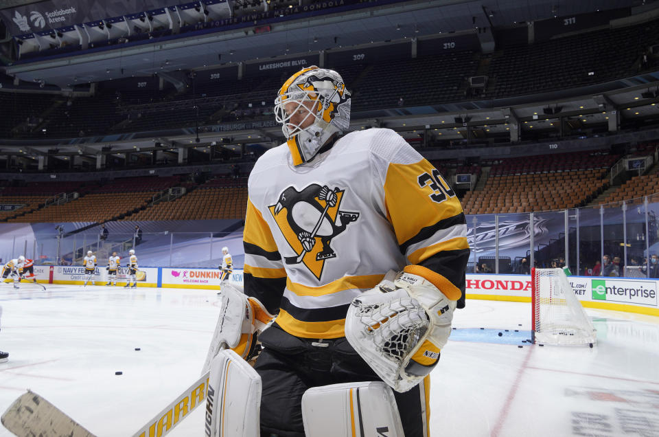 TORONTO, ONTARIO - JULY 28: Goaltender Matt Murray #30 of the Pittsburgh Penguins takes the ice for warm-up prior to an exhibition game against the Philadelphia Flyers prior to the 2020 NHL Stanley Cup Playoffs at Scotiabank Arena on July 28, 2020 in Toronto, Ontario. (Photo by Mark Blinch/NHLI via Getty Images)