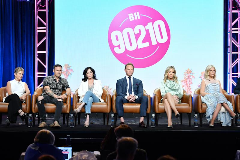 BEVERLY HILLS, CA - AUGUST 07: Gabrielle Carteris, Brian Austin Green, Shannen Doherty, Ian Ziering, Jennie Garth andTori Spelling of BH 90210 speak during the Fox segment of the 2019 Summer TCA Press Tour at The Beverly Hilton Hotel on August 7, 2019 in Beverly Hills, California. (Photo by Amy Sussman/Getty Images)