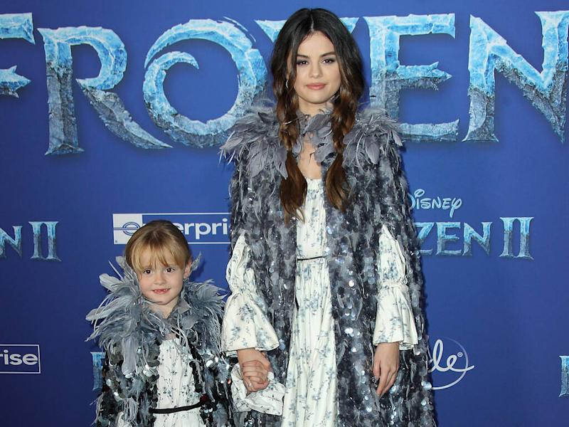 Selena Gomez twins with little sister on Frozen 2 red carpet