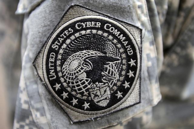 Army soldier wears the United States Cyber Command patch
