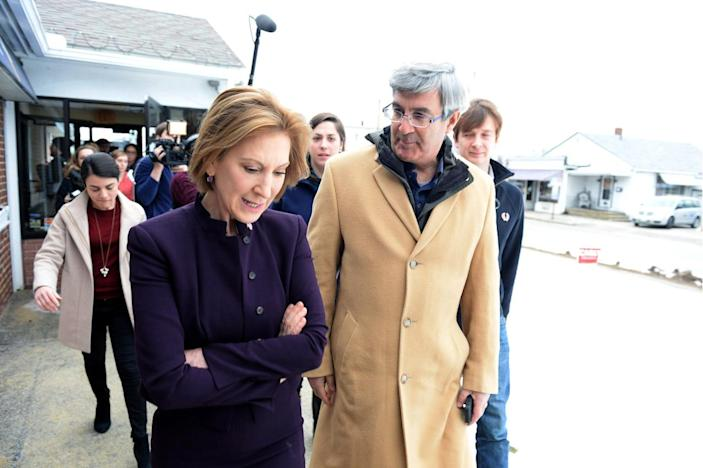 <p>Republican presidential candidate Carly Fiorina leaves Blake's Restaurant in Manchester, after a campaign event on Feb. 8, 2016. <i>(Photo: Darren McCollester/Getty Images)</i></p>