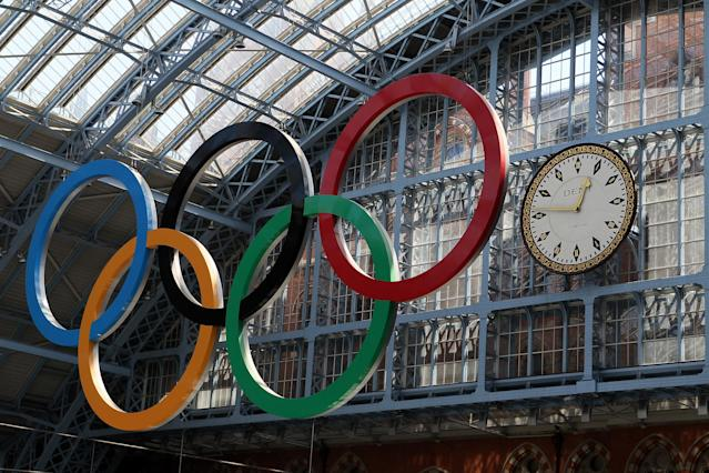 LONDON, ENGLAND - JULY 22: A view of the olympic rings at St. Pancras International Station before the start of the Summer Olympic Games on July 22, 2012 in London, England. (Photo by Elsa/Getty Images)