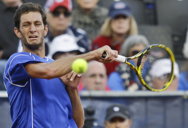 Ward stuns Querrey to give Brits 2-0 lead over US