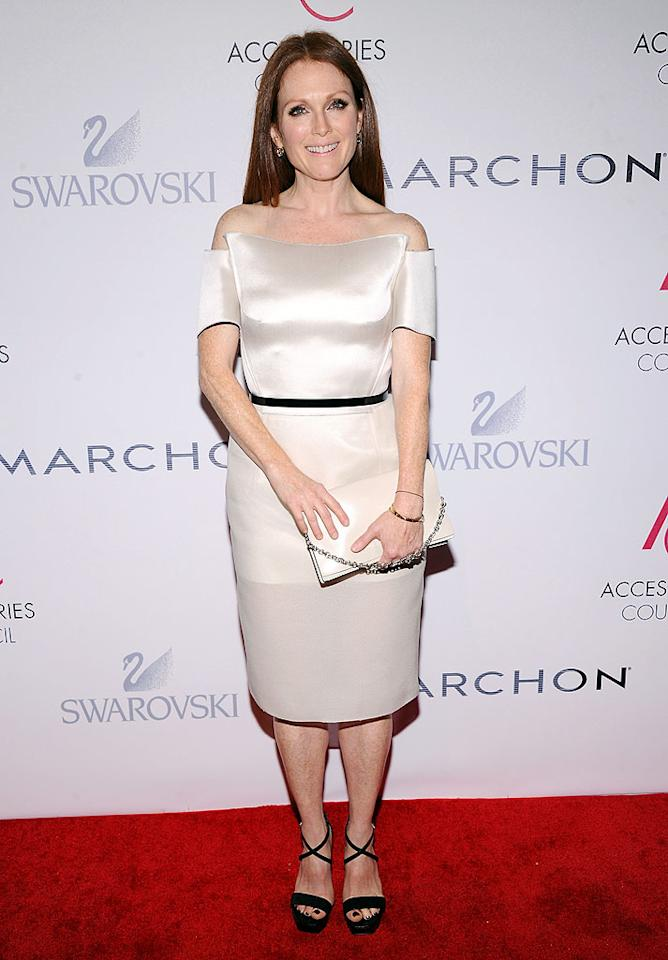 NEW YORK, NY - NOVEMBER 05:  Actress Julianne Moore attends the 16th Annual ACE Awards presented by the Accessories Council at Cipriani 42nd Street on November 5, 2012 in New York City.  (Photo by Jamie McCarthy/Getty Images for Accessories Council)
