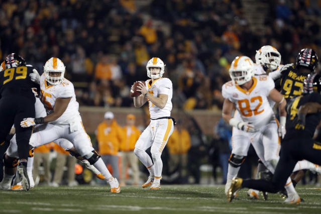 "Tennessee quarterback <a class=""link rapid-noclick-resp"" href=""/ncaaf/players/274866/"" data-ylk=""slk:Will McBride"">Will McBride</a> played in three games in 2017 after the Volunteers pulled his redshirt. If the NCAA's new rule was in effect last year, McBride could have kept his redshirt. (AP Photo/Jeff Roberson)"