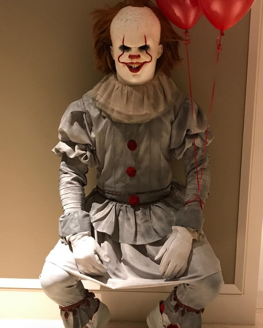 <p>Whoa — the NBA star's take on <i>It</i> clown Pennywise was way too close to the real thing! (Photo: Instagram/LeBron James) </p>
