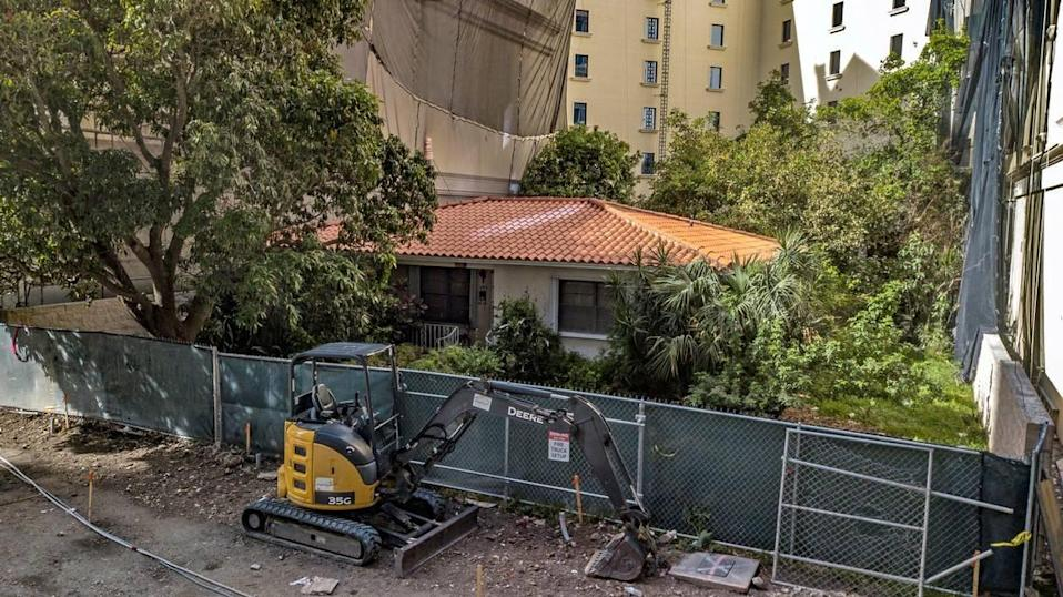 Orlando Capote refused to sell his 1,300-square-foot house despite getting 35 offers of up to $900,000.