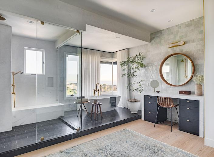 """<p>Nowadays, <a href=""""https://www.elledecor.com/design-decorate/room-ideas/g140/the-bathroom-gallery-16975/"""" rel=""""nofollow noopener"""" target=""""_blank"""" data-ylk=""""slk:a bathroom"""" class=""""link rapid-noclick-resp"""">a bathroom</a> is a lot more than where you take a shower or perfect your skincare routine. With <a href=""""https://www.elledecor.com/design-decorate/color/g12270517/bathroom-colors/"""" rel=""""nofollow noopener"""" target=""""_blank"""" data-ylk=""""slk:a fresh coat of paint"""" class=""""link rapid-noclick-resp"""">a fresh coat of paint</a>, <a href=""""https://www.elledecor.com/design-decorate/room-ideas/g266/bathrooms-with-wallpaper/"""" rel=""""nofollow noopener"""" target=""""_blank"""" data-ylk=""""slk:charming wallpaper"""" class=""""link rapid-noclick-resp"""">charming wallpaper</a>, or <a href=""""https://www.elledecor.com/design-decorate/room-ideas/g10213582/bathroom-tile-ideas/"""" rel=""""nofollow noopener"""" target=""""_blank"""" data-ylk=""""slk:statement-making tile"""" class=""""link rapid-noclick-resp"""">statement-making tile</a>, your bathroom is just as much a design moment as any other room in your home. So why not accessorize it with some plants? Don't let their trendy status fool you; plants have a lot more to offer than good looks. In fact, studies show many indoor plants have also been proven to improve your home's air quality and to reduce stress, both of which are integral to creating a spalike bathroom. </p><p>Although plants are a great addition to a <a href=""""https://www.elledecor.com/design-decorate/room-ideas/a35394007/powder-room-history-trends-2021/"""" rel=""""nofollow noopener"""" target=""""_blank"""" data-ylk=""""slk:powder room"""" class=""""link rapid-noclick-resp"""">powder room</a> or main suite, finding a species that will thrive in a bathroom is surprisingly difficult. Anyone who likes a scalding shower or bath knows that bathrooms can be especially humid, and many plants are not cut out for that extra moisture. And while bathrooms might be warm when showering or using a blow dryer, they usually cool down overnight—and those fluctu"""