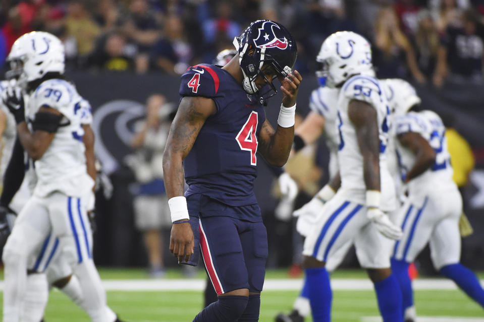 """A late Deshaun Watson fumble at a critical moment led to confusion on """"Thursday Night Football."""" (AP Photo/Eric Christian Smith)"""