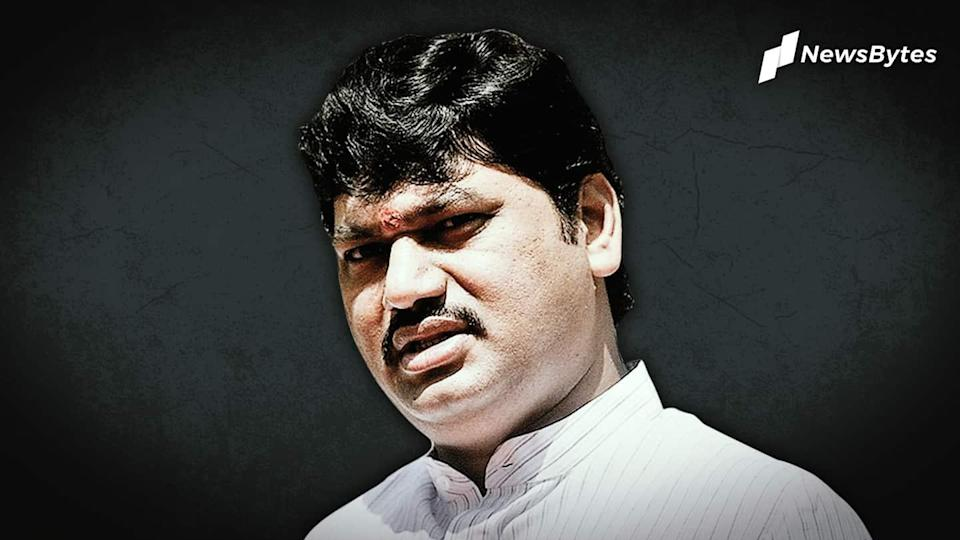 Maharashtra: Woman withdraws rape allegations against minister Dhananjay Munde