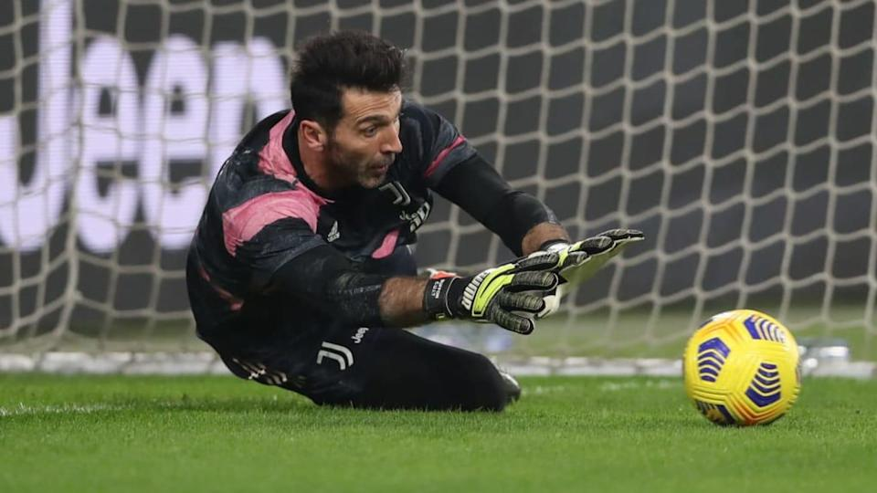 Buffon segue fazendo grandes defesas na Juventus. | Jonathan Moscrop/Getty Images