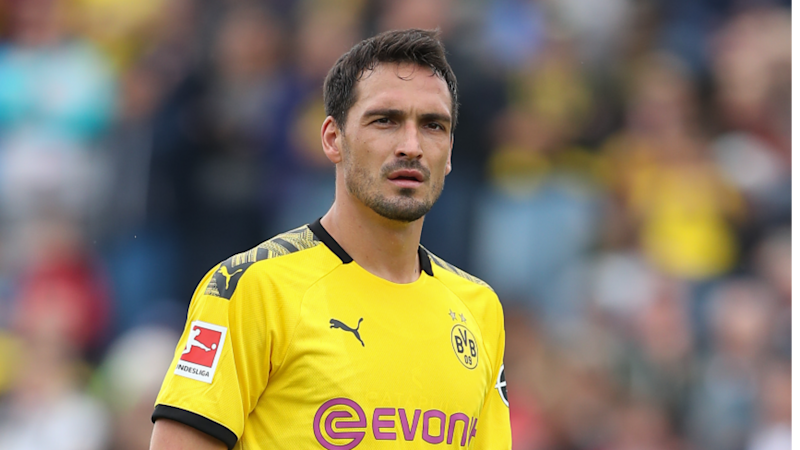 'This is nonsense' - Hummels denies reports of rift with Dortmund boss Favre