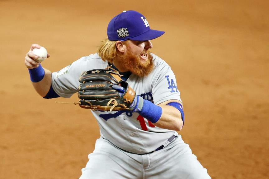 Justin Turner fields grounder for Dodgers World Series