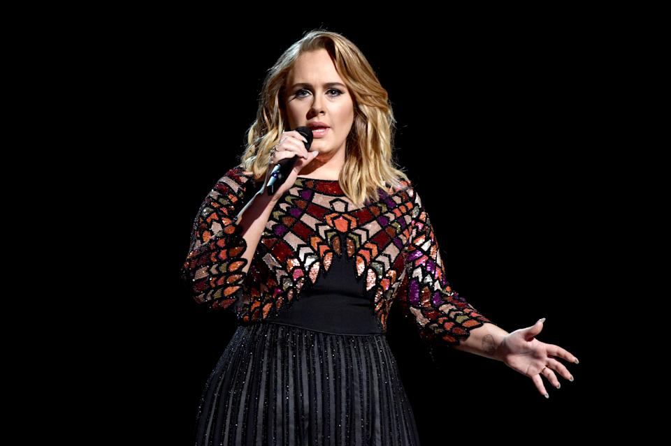 Singer Adele performs onstgage during The 59th GRAMMY Awards at STAPLES Center on February 12, 2017 in Los Angeles, California.  (Photo by Lester Cohen/Getty Images for NARAS)