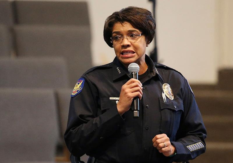 Phoenix Police Chief Jeri Williams has apologized to the family who faced her officers' guns in May. (Photo: Ross D. Franklin/ASSOCIATED PRESS)