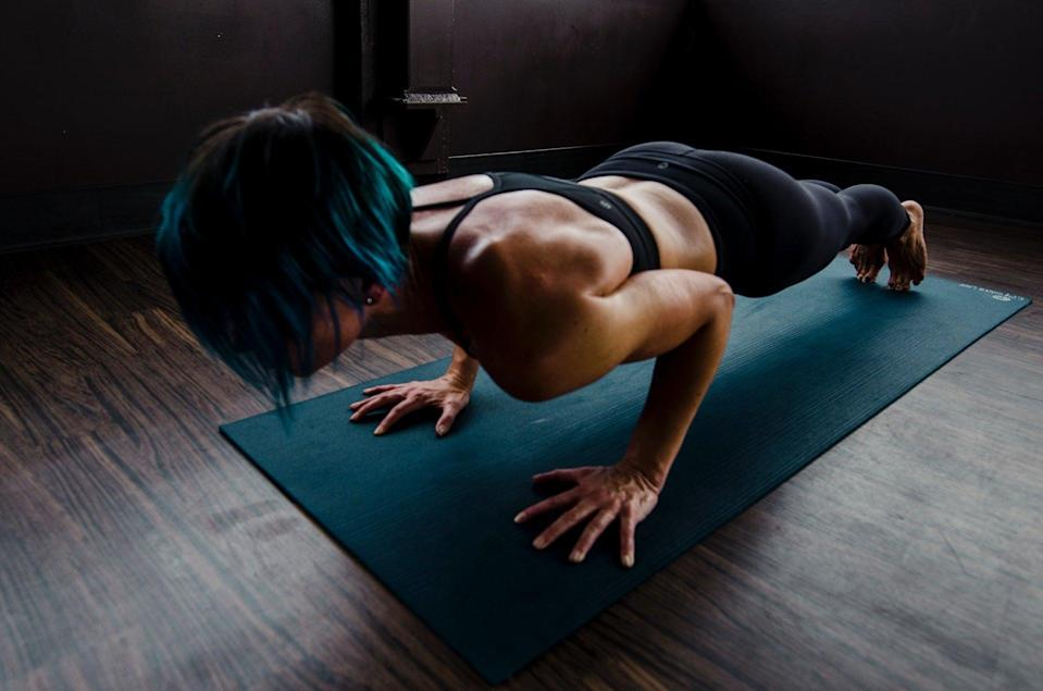 """<p>You can't run before you walk, and you can't nail the one-arm push-up before a regular push-up, according to <a href=""""https://trooperfitness.com/coaches/trooper-prince-brathwaite/"""" class=""""link rapid-noclick-resp"""" rel=""""nofollow noopener"""" target=""""_blank"""" data-ylk=""""slk:Prince Brathwaite"""">Prince Brathwaite</a>, NASM certified personal trainer and founder of Trooper Fitness. """"Other than the single arm strength it takes to do a one arm push up, one must have significant core strength/stability,"""" Brathwaite said. """"Doing exercises that build up intrinsic core strength will be key to building up to a single arm push-up."""" These are the moves he told POPSUGAR to start with: </p> <ul> <li>Staggered push-up: One arm elevated on a platform. </li> <li>Archer push-up: Bending one arm during a push-up while the other arm remains straight at the elbow. </li> <li>One-arm push-up on your knees. </li> <li>One-arm push-up with hand on an incline platform (for example, a bench) and feet on the ground. </li> <li>One-arm push-up with resistance bands assistance. Hang a band from a pull-up bar and wrap it under your waist to help pull you up. </li> <li>Negative one-arm push up: Start on toes focusing on a slow eccentric descent, then modify to a one-arm knee push-up to get back up.</li> </ul>"""