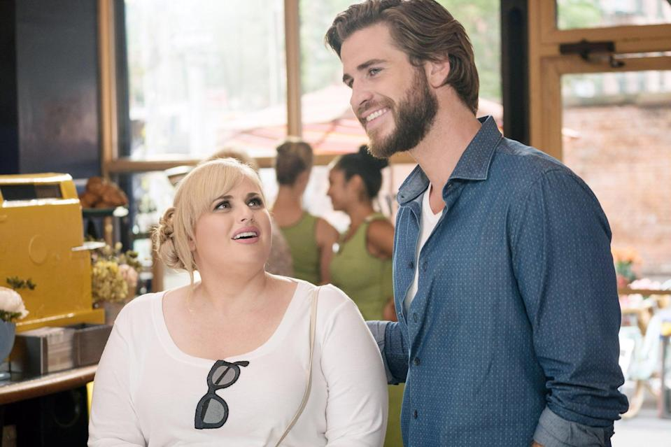 ISN'T IT ROMANTIC, (from left): Rebel Wilson,  Liam Hemsworth, 2019. ph: Michael Parmelee /  Warner Brothers / courtesy Everett Collection
