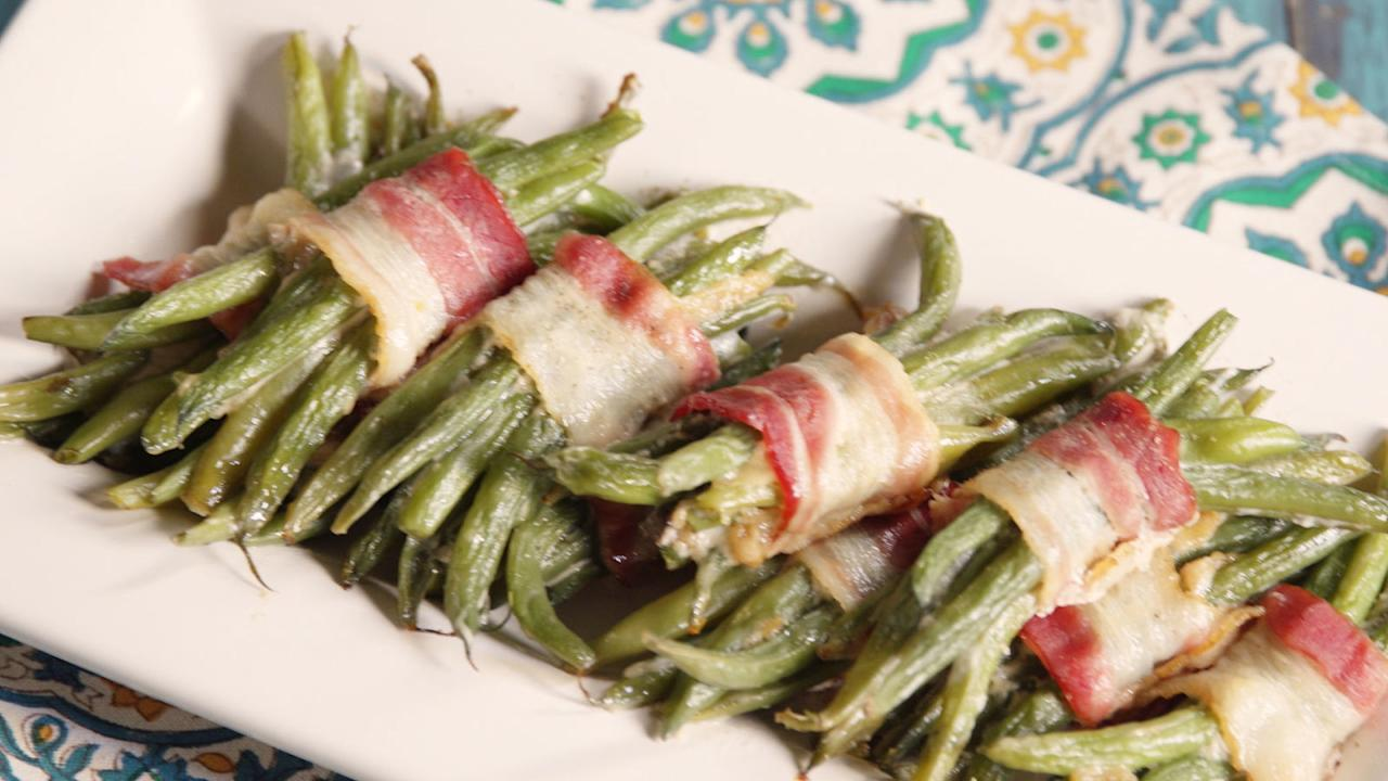 <p>These classic recipes dress up fresh green beans with savory and sweet tastes that will have everyone asking for seconds.</p>