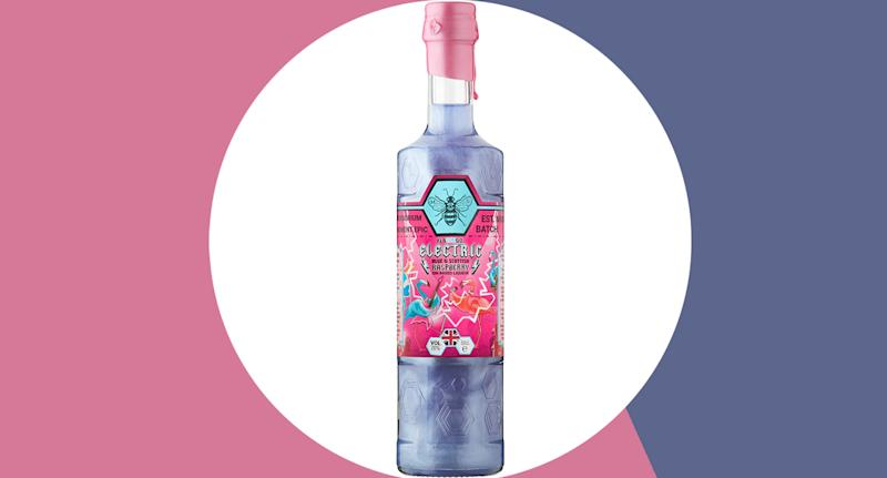 The gin changes colour when poured with a sparkling mixer to create a shimmering long drink. (Yahoo Style UK)