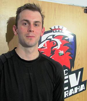 Erik Christensen traded in the NHL's journeyman life for a more stable situation in the KHL. (#NickInEurope)