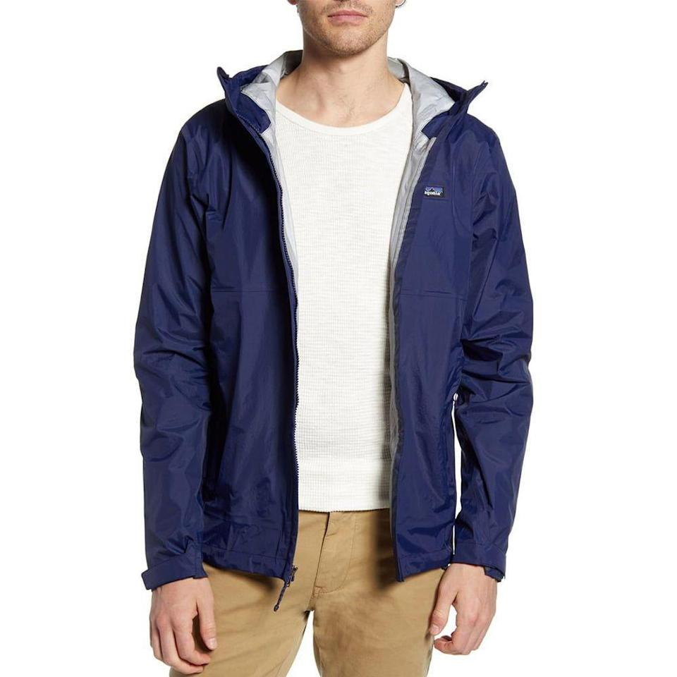 "<p><strong>PATAGONIA</strong></p><p>nordstrom.com</p><p><strong>$111.75</strong></p><p><a href=""https://go.redirectingat.com?id=74968X1596630&url=https%3A%2F%2Fshop.nordstrom.com%2Fs%2Fpatagonia-torrentshell-3l-packable-waterproof-jacket%2F5364248&sref=https%3A%2F%2Fwww.menshealth.com%2Fstyle%2Fg32904980%2Fbest-rain-jackets-for-men%2F"" rel=""nofollow noopener"" target=""_blank"" data-ylk=""slk:BUY IT HERE"" class=""link rapid-noclick-resp"">BUY IT HERE</a></p><p>Having to wear a rain jacket in the summer is not exactly idea but it happens—and it's best to stick with Patagonia's take when it does. This classic packable jacket is as lightweight and protective as you can get. </p>"