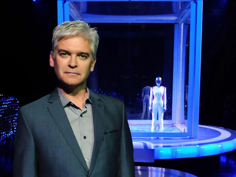 Phillip Schofield with The Body (back) on 'The Cube' (OBJECTIVE PRODUCTION )