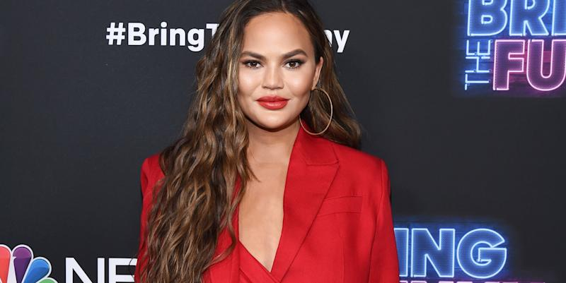 Chrissy Teigen accidentally tweets entire episode of new show