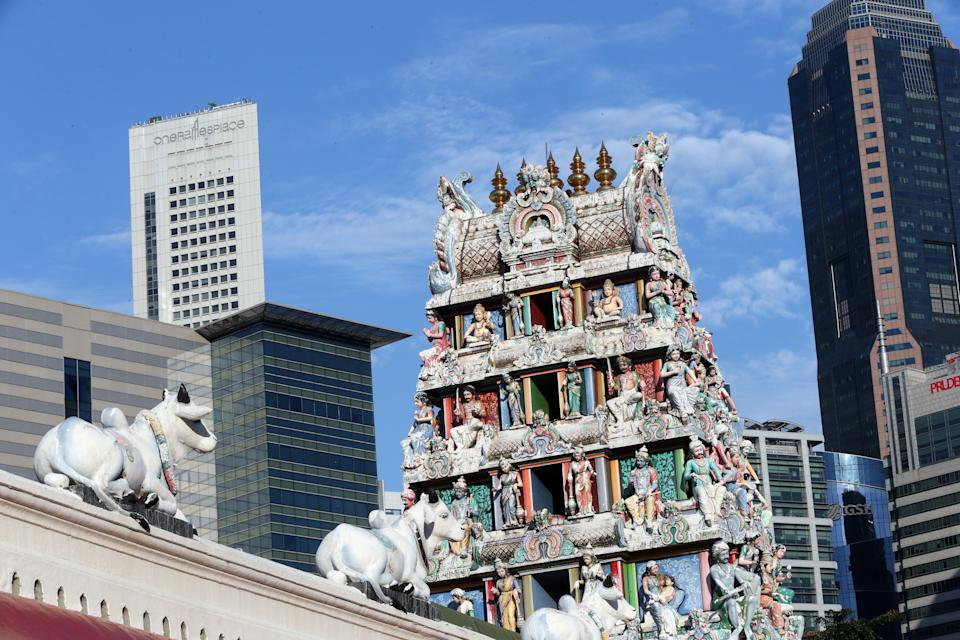 Sri Mariamman Hindu temple. Gopuram (temple tower). Chinatown, Singapore. (Photo by: Godong/Universal Images Group via Getty Images)
