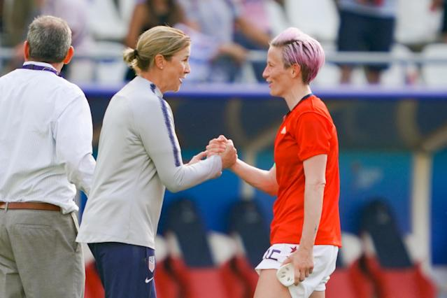 Jill Ellis and Megan Rapinoe shake hands after the USWNT's 2-1 Round of 16 victory over Spain. (Getty)