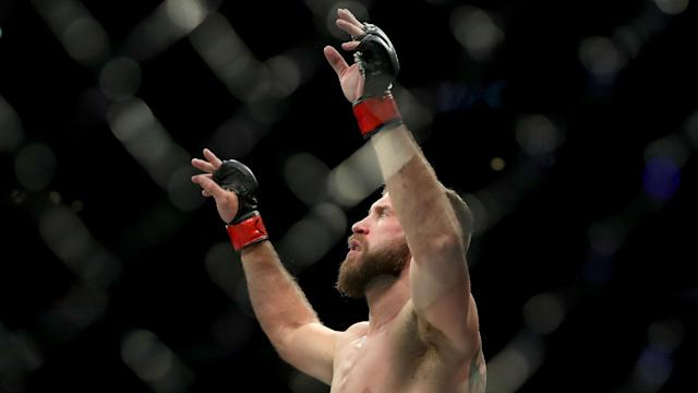 Talks have taken place between Conor McGregor's team and Donald Cerrone over a UFC bout in January.