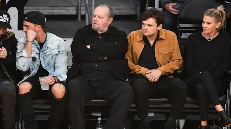 Jack Nicholson And Son Ray Sit Courtside To Cheer On La Lakers Check out the latest pics of jack nicholson. yahoo