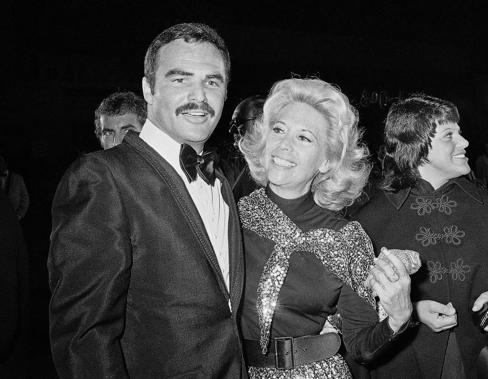 Singer Dinah Shore and Burt Reynolds appear together in Los Angeles in 1971. (Photo: AP Photo/Harold Filan)