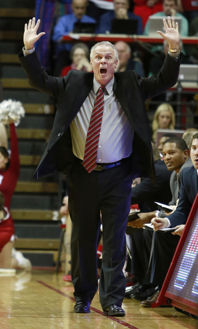 Wisconsin coach Bo Ryan yells to his team in the second half of an NCAA basketball game against Indiana in Bloomington, Ind., Tuesday, Jan. 14, 2014. Indiana won 75-72. (AP Photo/R Brent Smith)