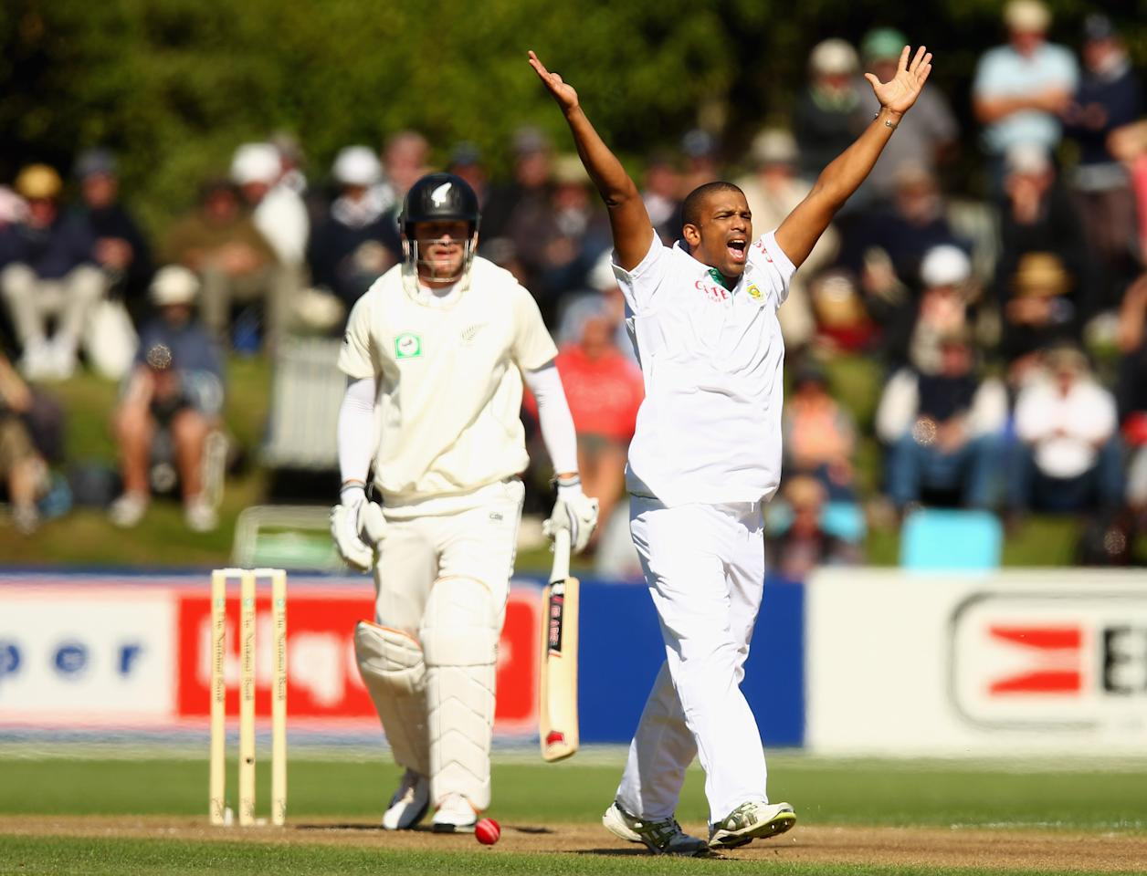 Vernon Philander of South Africa makes an appeal for the wicket of Rob Nicol of New Zealand during day two of the First Test match between New Zealand and South Africa at the   University Oval on March 8, 2012 in Dunedin, New Zealand.
