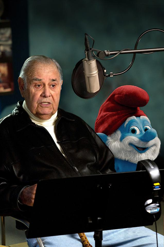"""<a href=""""http://movies.yahoo.com/movie/contributor/1800014661"""">Jonathan Winters</a> as Papa Smurf in Columbia Pictures' <a href=""""http://movies.yahoo.com/movie/1810033015/info"""">The Smurfs</a> - 2011"""