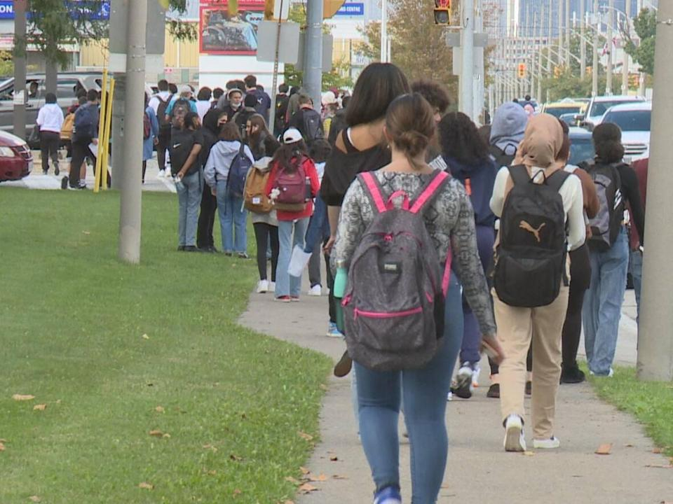 The City of Windsor will be conducting traffic blitzes starting next week, enforcing parking measures around schools busy during drop-off and pick-up times.  (Darrin Di Carlo/CBC - image credit)