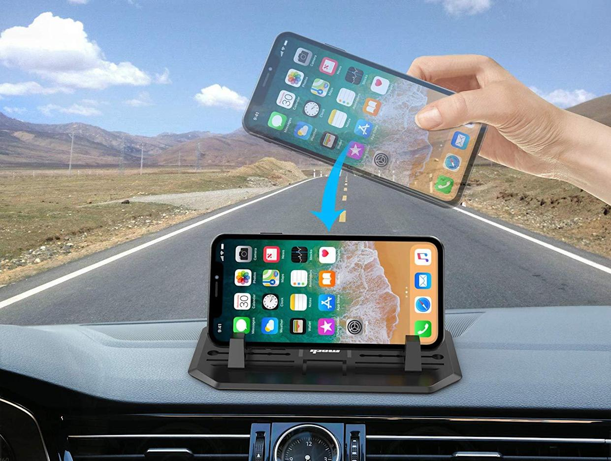 This smartphone mount has a 4.1 out of five stars with over 1,800 reviews. (Photo: Amazon)