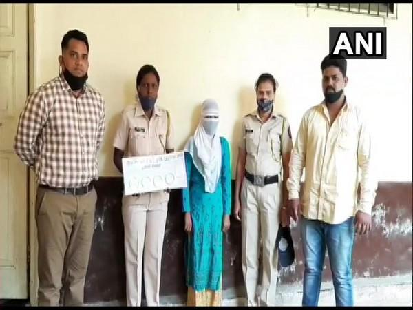Visual of the arrested accused with seized valuables. (Photo ANI)