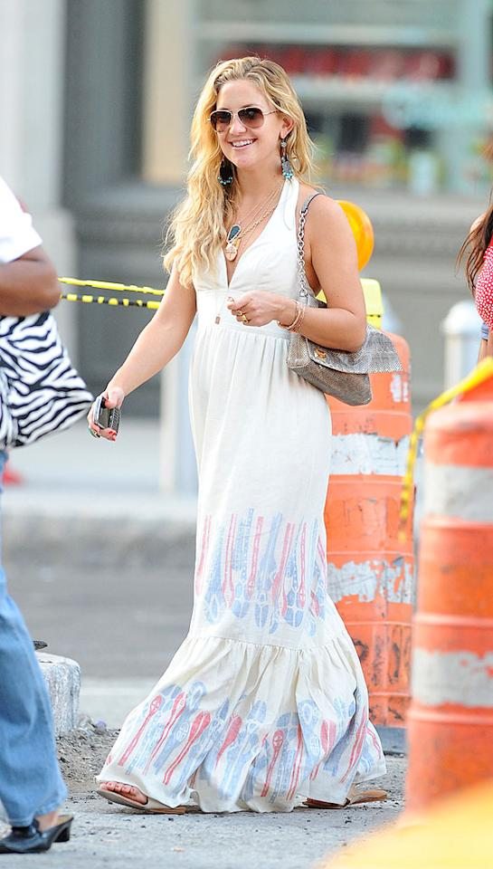 "Kate Hudson's long wavy tresses, flowing frock, and layered necklaces scream boho chic. James Devaney/<a href=""http://www.wireimage.com"" target=""new"">WireImage.com</a> - April 26, 2009"