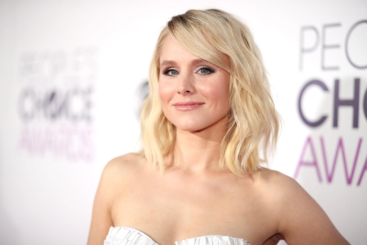"""<p>Honestly, a Gossip Girl blast just wouldn't be the same without <a class=""""sugar-inline-link ga-track"""" title=""""Latest photos and news for Kristen Bell"""" href=""""https://www.popsugar.com/Kristen-Bell"""" target=""""_blank"""" data-ga-category=""""Related"""" data-ga-label=""""https://www.popsugar.com/Kristen-Bell"""" data-ga-action=""""&lt;-related-&gt; Links"""">Kristen Bell</a>'s iconic voice behind it. When <strong>E! News</strong> asked if she would return for the spinoff, <a href=""""http://www.youtube.com/watch?v=s-elY5n4xlw"""" target=""""_blank"""" class=""""ga-track"""" data-ga-category=""""Related"""" data-ga-label=""""http://www.youtube.com/watch?v=s-elY5n4xlw"""" data-ga-action=""""In-Line Links"""">the <strong>Veronica Mars </strong>actress played perfectly coy</a> as she mimicked the character's voice saying, """"Maybe, I'll never tell."""" </p>"""