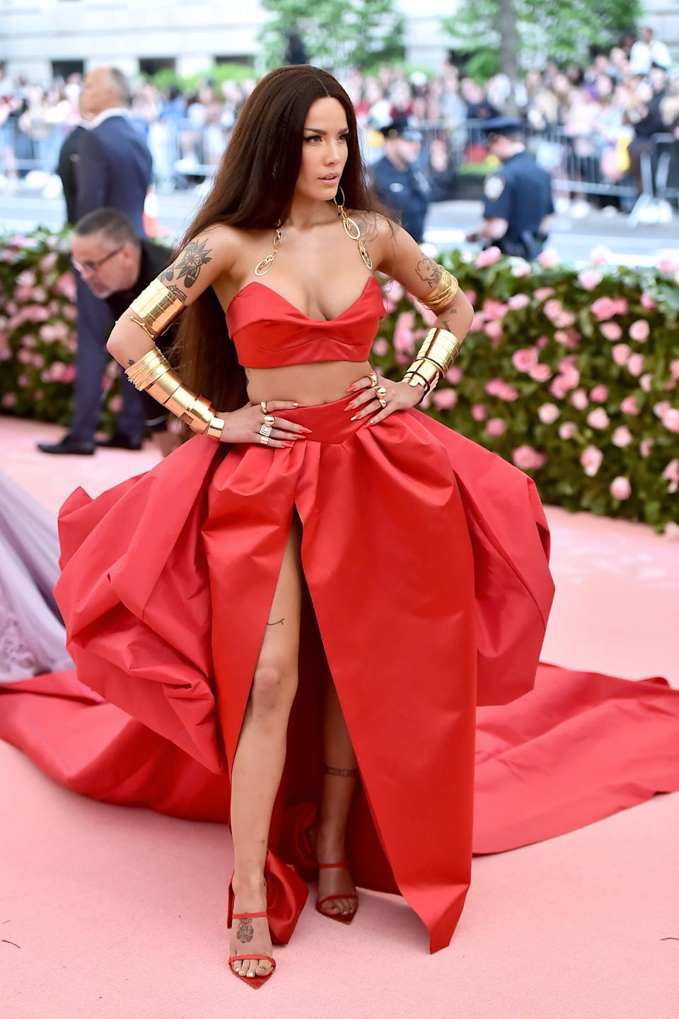 """<h1 class=""""title"""">Halsey in Atelier Prabal Gurung and custom Brother Vellies shoes wearing Jennifer Fisher jewelry</h1><cite class=""""credit"""">Photo: Getty Images</cite>"""
